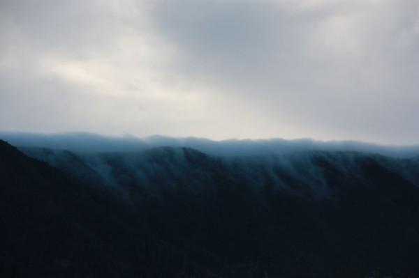 11-4 wolkendeken top bergen