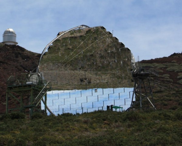 Enorme spiegel van observatorium