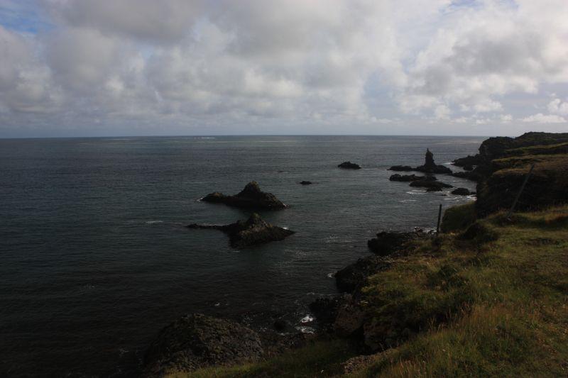 30-8 rotsen voor de kust