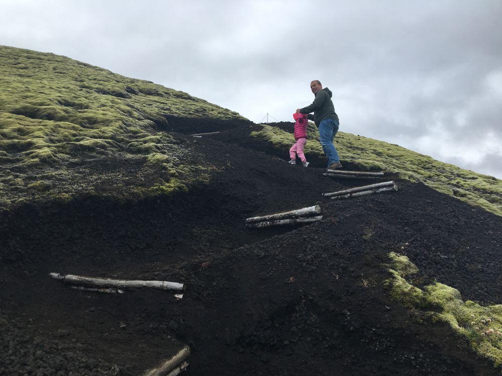25-8 anika papa vulkaan