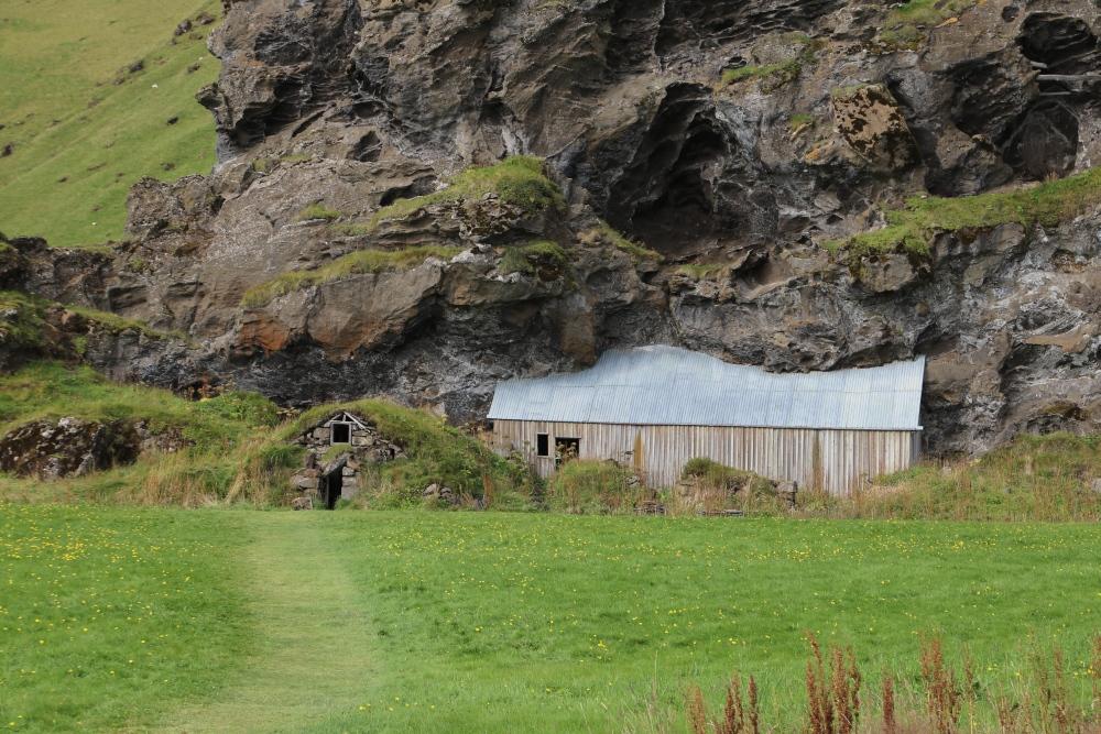 27-8 huisje in de berg